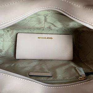 Michael Kors Bags - Michael Kors JETSET CHAIN SHOULDER BAG W/WALLET
